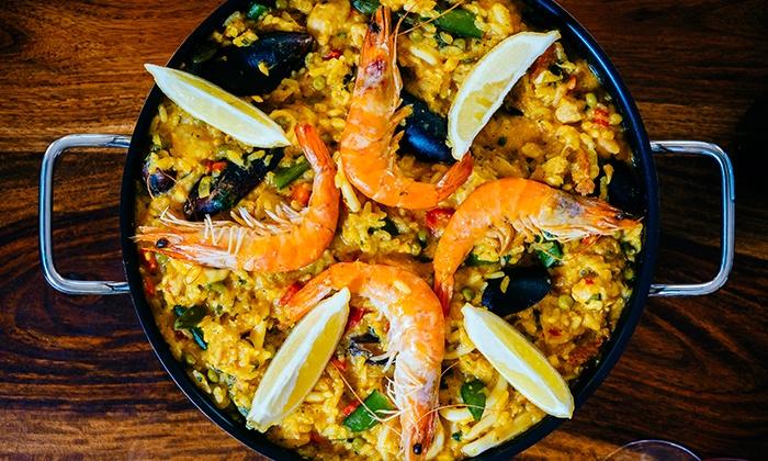 Paella di pesce a Barcellona