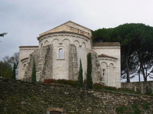Canonica Santa Maria Besalú