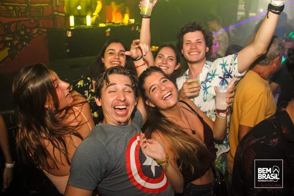 festa al leviano Bar, Lapa